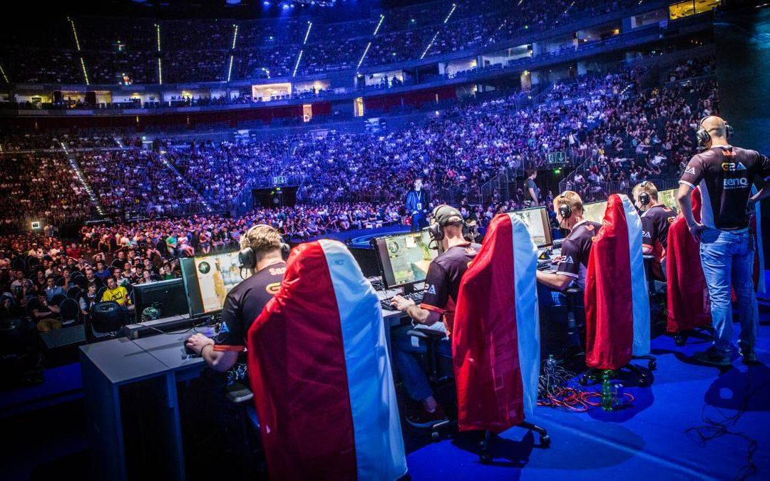 Debate: «eSports: Oportunidad o Riesgo»